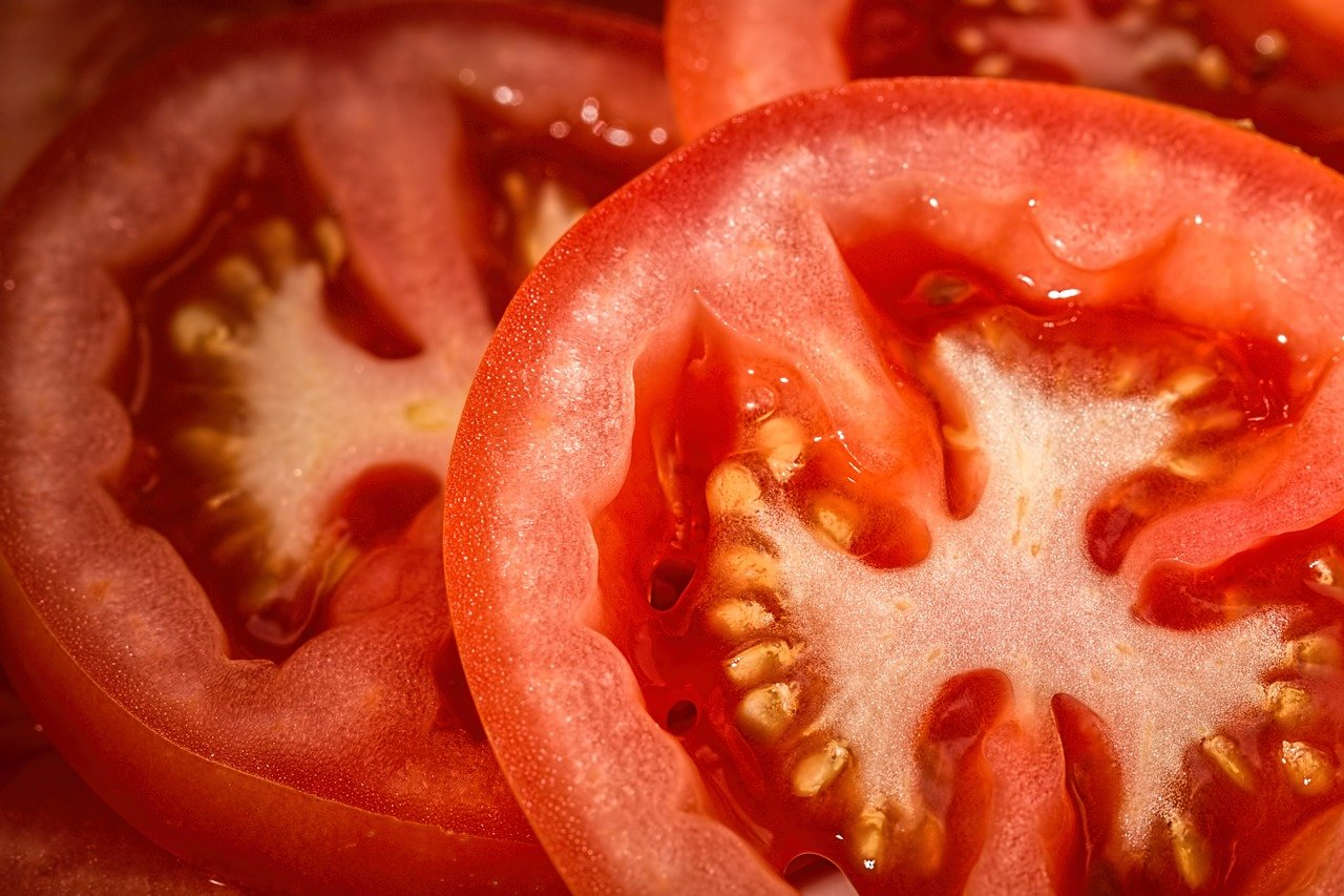 5 Manfaat Tomat Dengan Segala Kandungannya