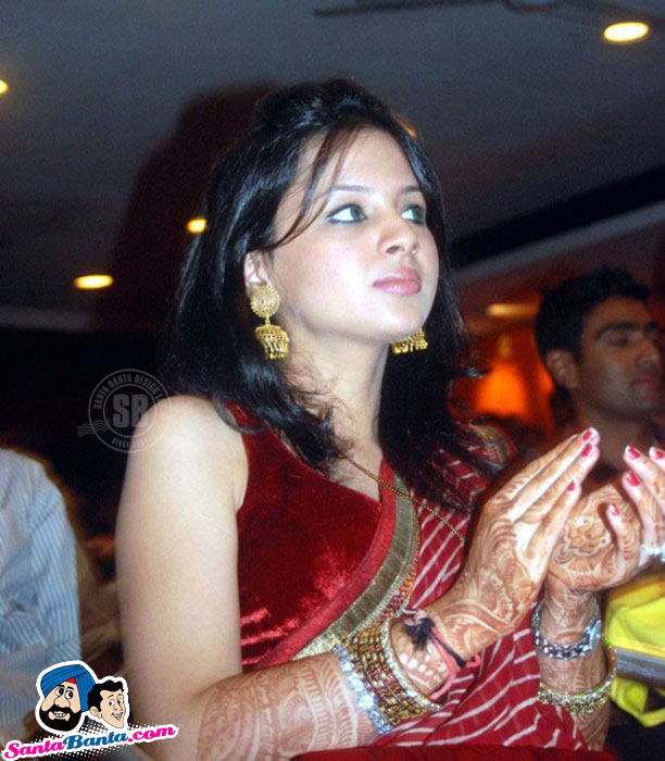 Indian Cricket Players: Mahendra Singh Dhoni Wife