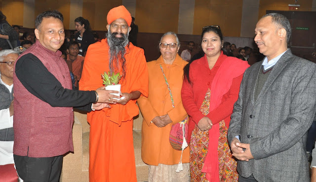 Spiritual knowledge can only be achieved by the happiness: Swami Vishwang