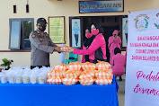 Hari Ke-4 Ramadhan, Ketua Bhayangkari Luwu Utara Bagikan Takjil Dan Nasi Kotak di Sukamaju
