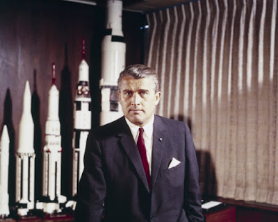 Dr. Wernher von Braun was instrumental at NASA and in the Apollo program. He was a Christian and a creationist, but secularists are attacking him again.