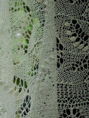 trouwen mag weer,gebreide bruidssjaals, handgebreide sjaals, gebreidesjaals.