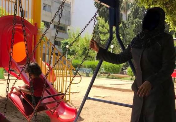 """ممنوع على أطفال سوريين """" فقط"""" ارتياد الحدائق في بيروت !!!"""