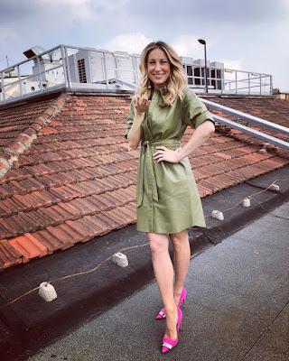 mia Ceran vestito verde scarpe rosa 21 febbraio