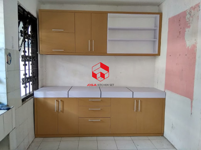 Dapur minimalis single line, sumber https://jogjakitchenset.com