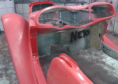 A carroceria do MP do Neto recebe um trato.
