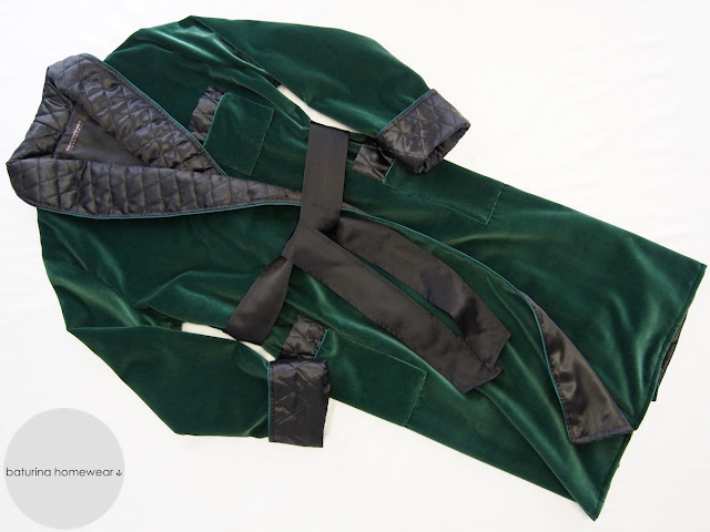 Mens quilted velvet and silk dressing gown and smoking jacket in hunter green and black.