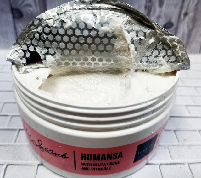 tekstur body scrub romansa