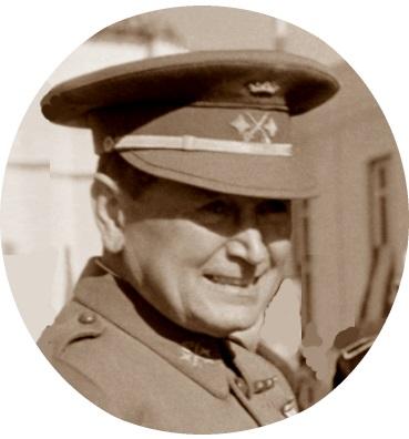 El General de División Manuel Baturone Colombo