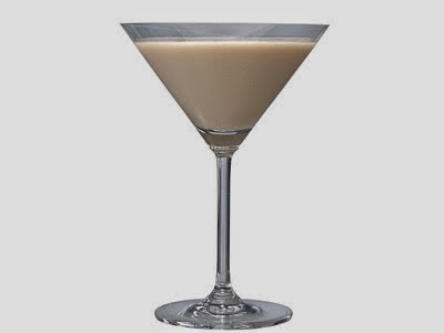 Treat Mom to Low-Calorie Cocktails & Mocktails for Mother's Day! - Vanilla Nut Martini via ProductReviewMom.com