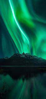خلفية الوهج القطبي الأخضر للايفون