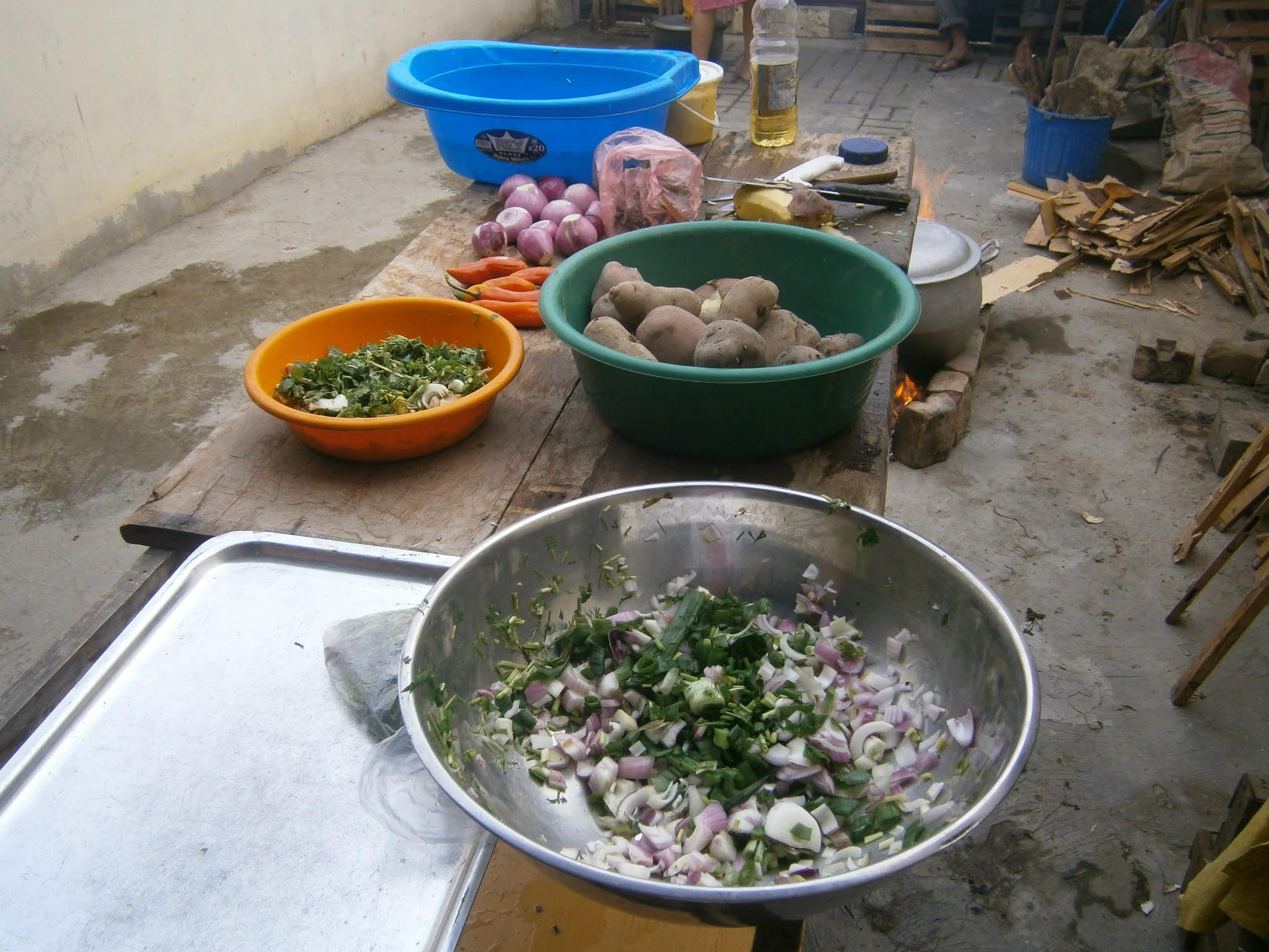 Ingredientes para la comida peruana llamado sangrecita o mondonguito peruano