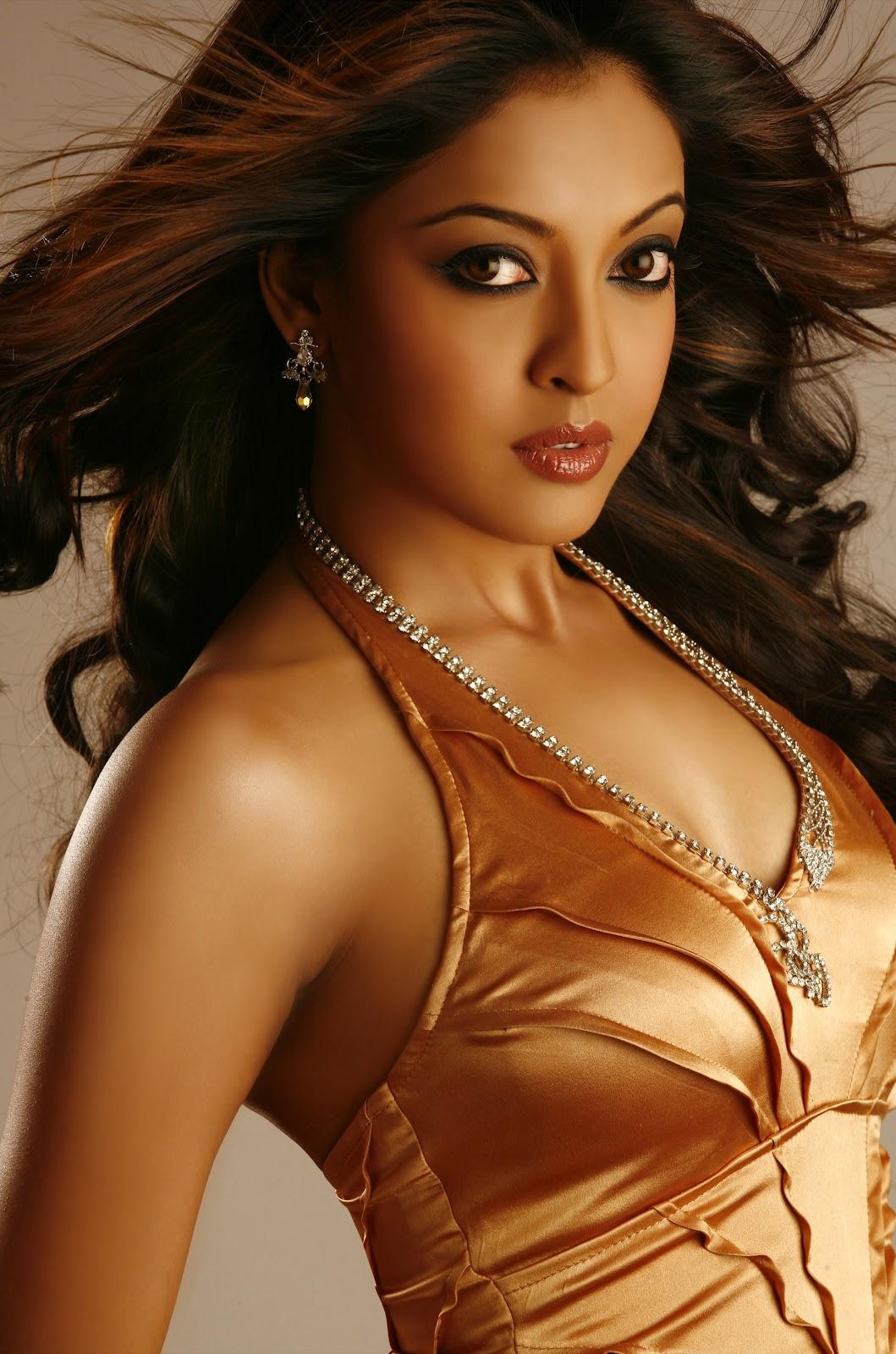 New Cine World Tanushree Dutta Hot Pics-9259