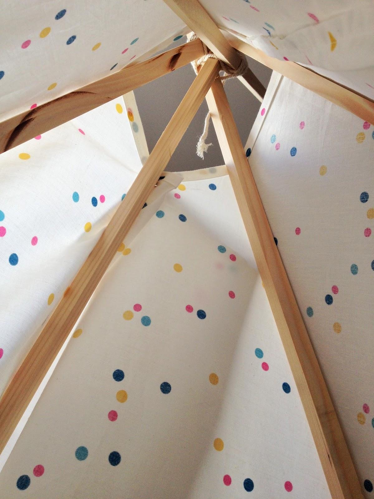 globeshoppeuse diy mon tipi pour enfant home made. Black Bedroom Furniture Sets. Home Design Ideas