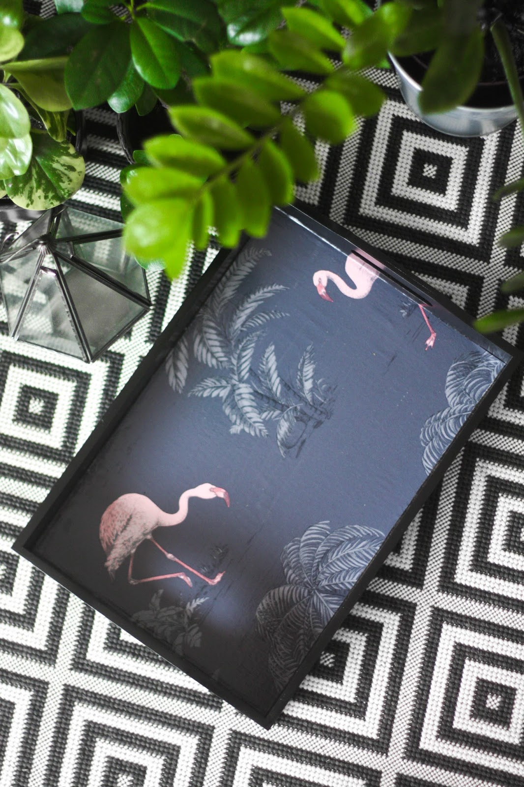 DIY Wallpaper Flamingo Tray