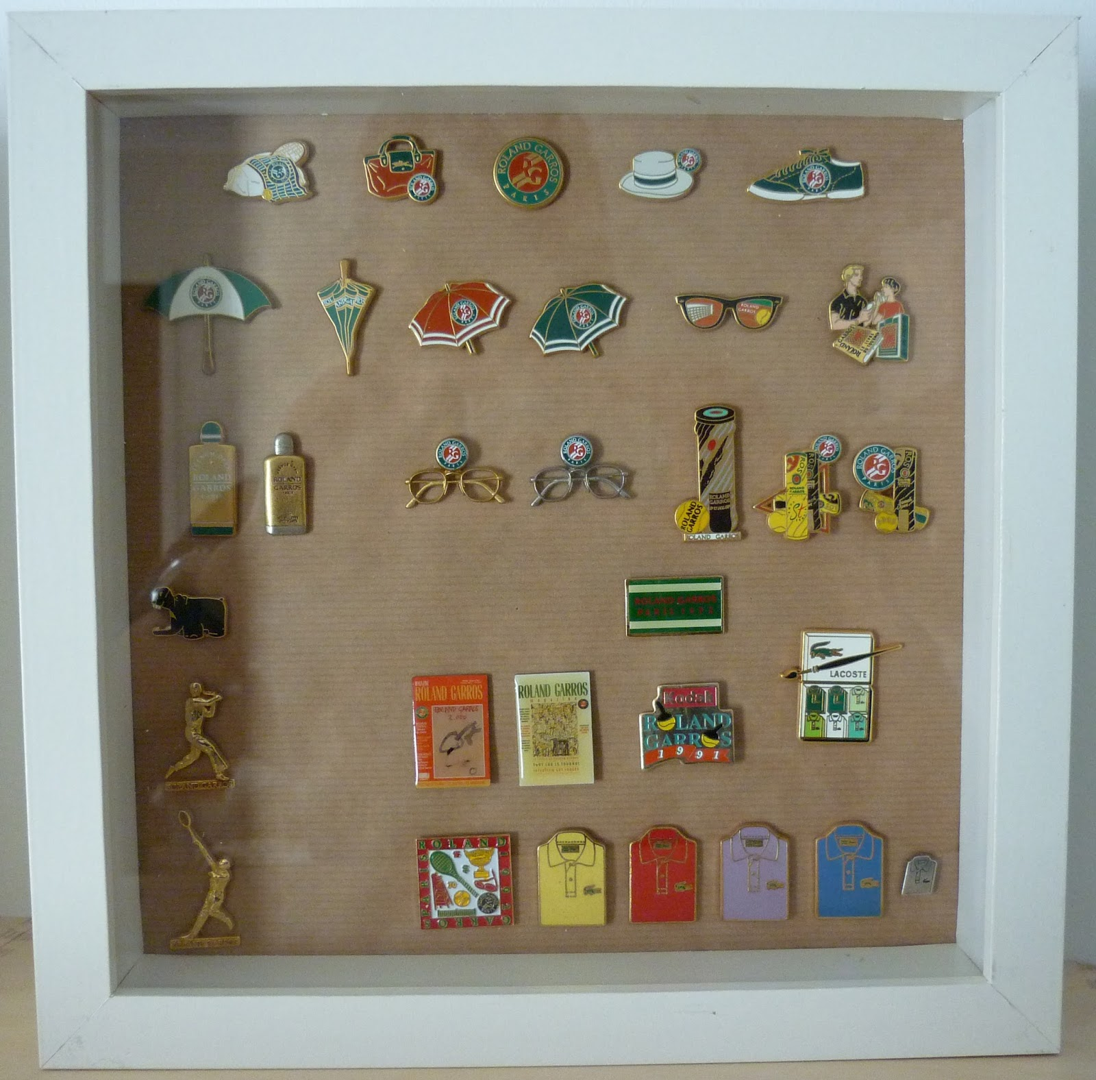 collection de pin 39 s roland garros. Black Bedroom Furniture Sets. Home Design Ideas