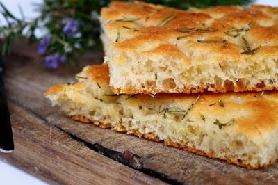 خبز الفوكاتشيا