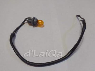 kabel, fitting dan bohlam lampu sein