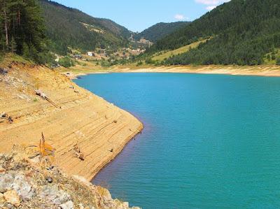 tara-zaovinsko-jezero-slike-spajici-najlepsi-prizori-planine