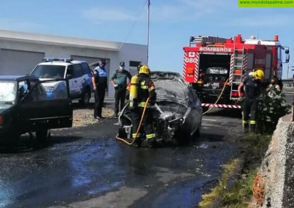 Un vehículo se incendió ayer en El Paso