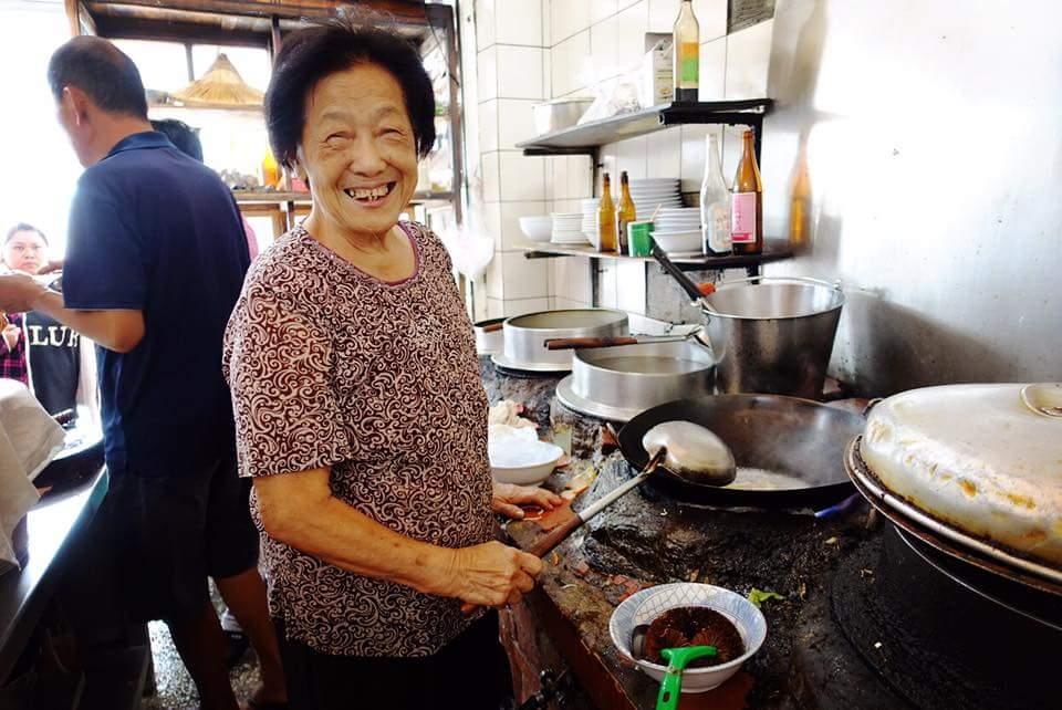 土庫《順天宮》遊記,並且到《川龍食堂》吃碧蘭阿嬤煮的古早味料理