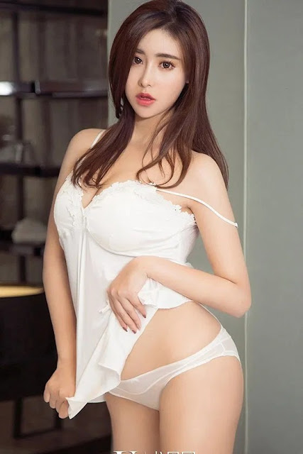 Hot and sexy photos of beautiful busty asian hottie chick Chinese babe model Chen Mei Xi photo highlights on Pinays Finest Sexy Nude Photo Collection site.