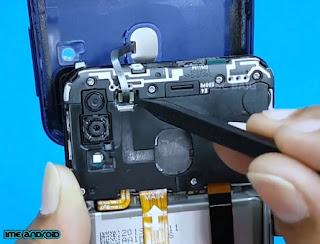 mengganti baterai samsung m20
