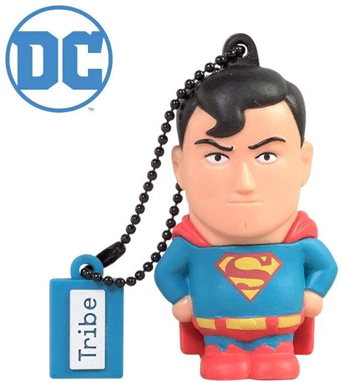 Original memoria USB de Superman.