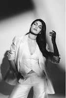 Jacqueline Fernandez Glam Photo Shoot HeyAndhra.com