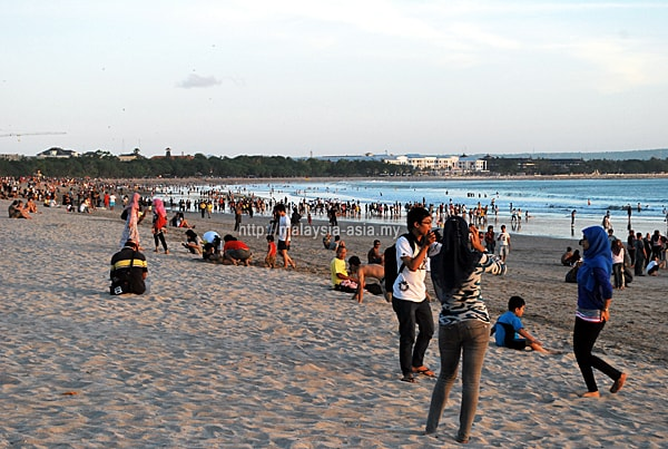 Kuta Beach Crowd