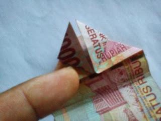 Seni origami uang kertas02
