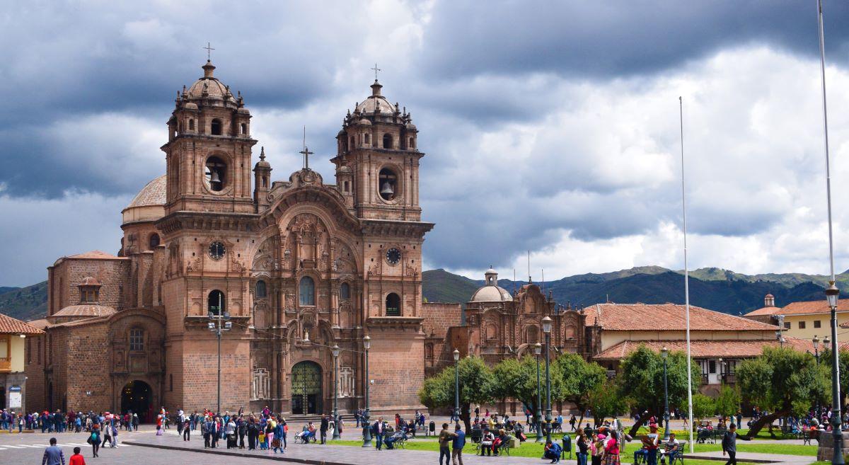 catedral plaza de armas cusco