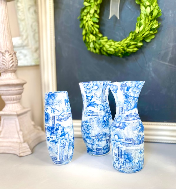 blue and white chinooiserie bud vases