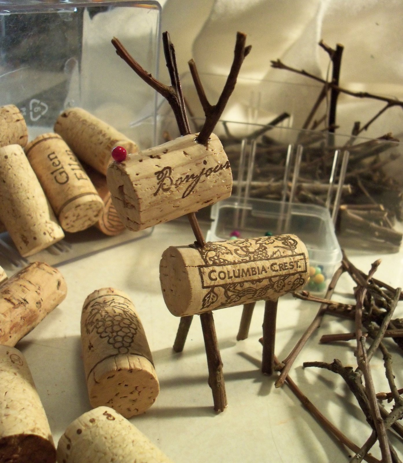 Things Made With Corks: Make The Best Of Things: Teeny Tiny Wine Cork Reindeer