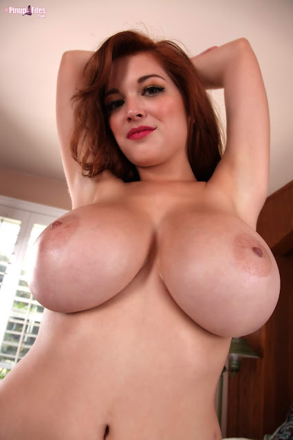 Tessa Fowler big boobs hanging