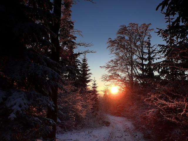 Zachód słońca ze szlaku na Luboń