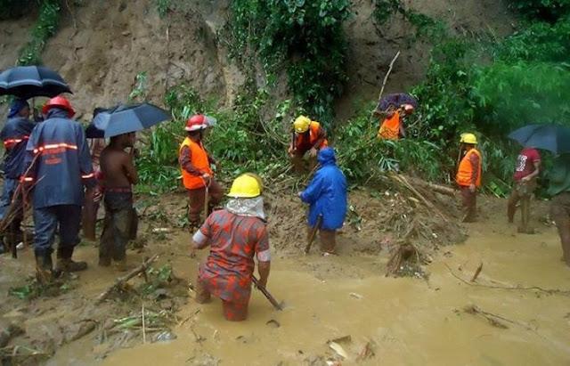 أمطار غزيرة تؤدى الى انهيارات أرضية فى بنجلاديش
