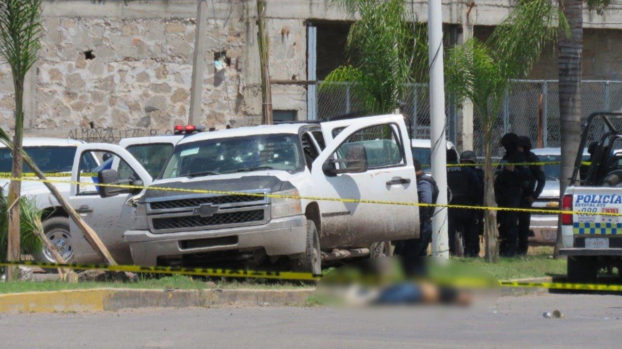 Fotos: Así quedaron los Sicarios Abatidos y heridos esta tarde por Policías en Juventino Rosas; Guanajuato