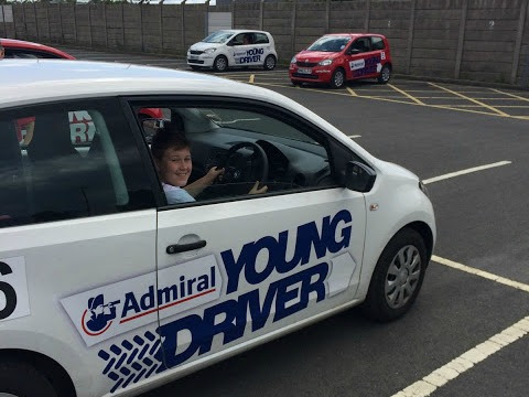 What To Expect On A Young Driver Lesson