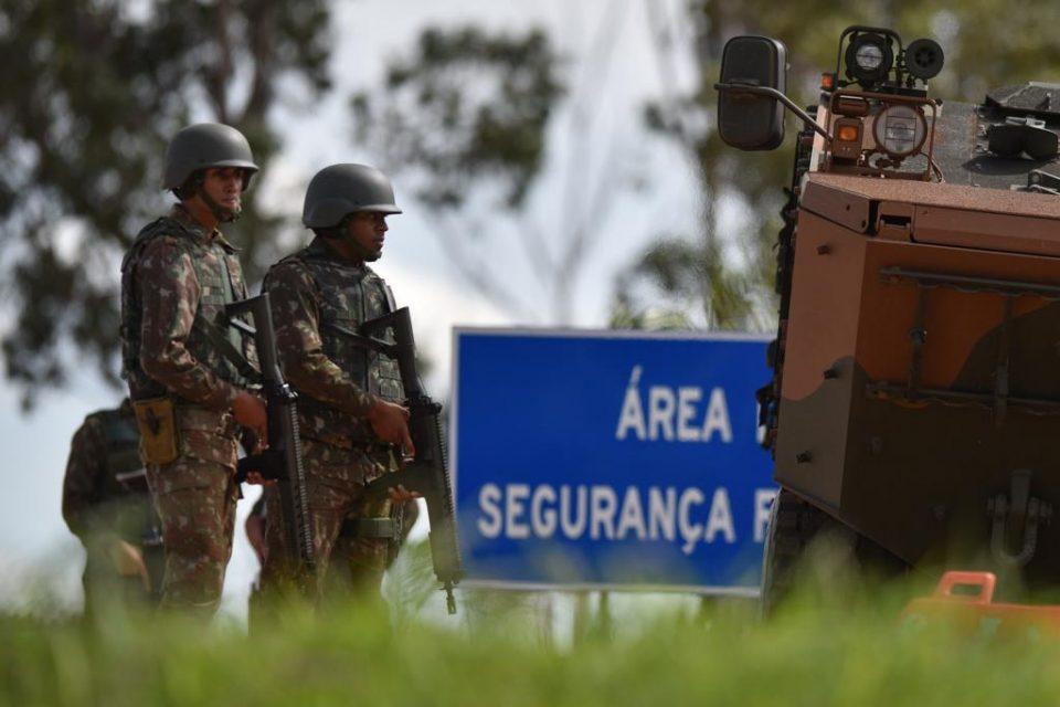 Cerco, Presídio Federal de Brasília, área externa