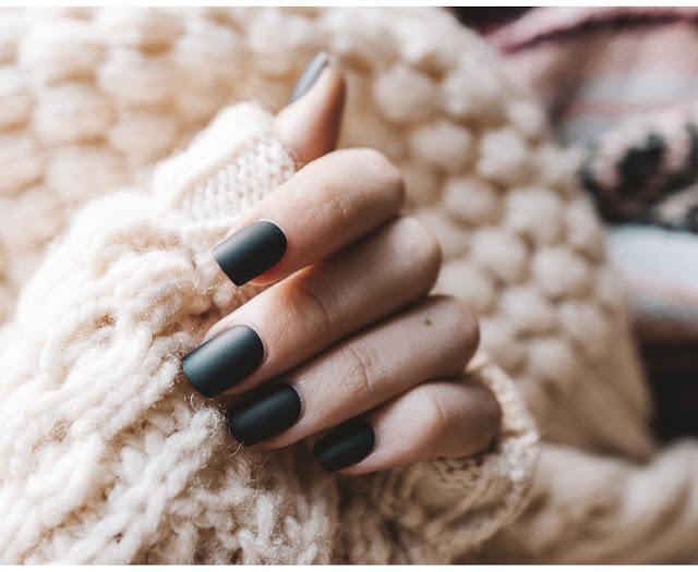 Nail inspo: Τα χρώματα που θα κυριαρχήσουν το φθινόπωρο