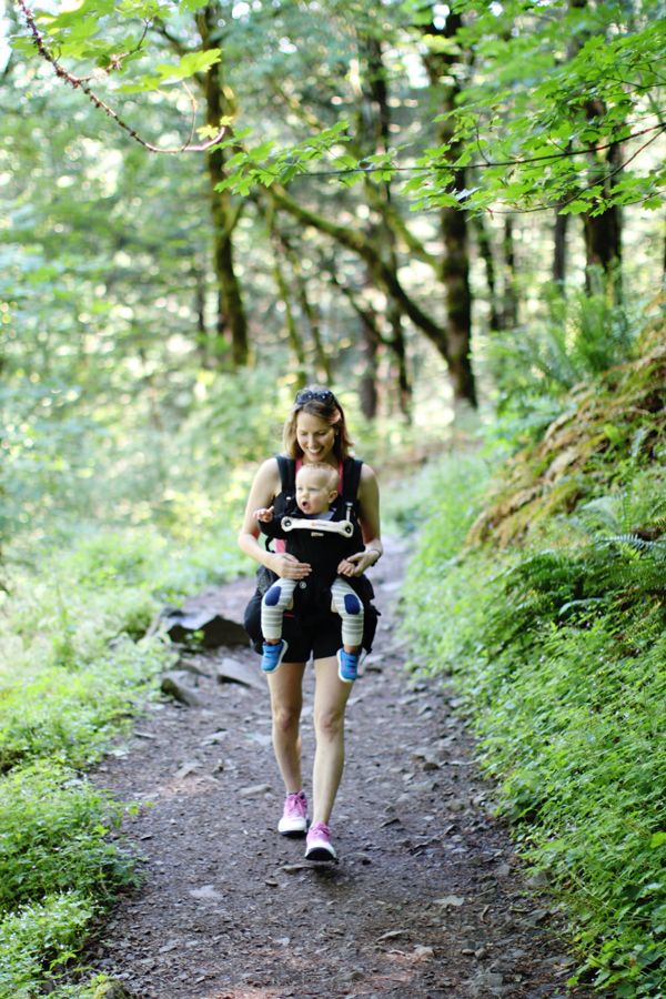 Hiking with the Ergobaby 360