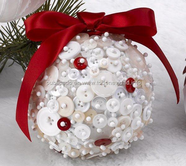 bolas navidad con botones