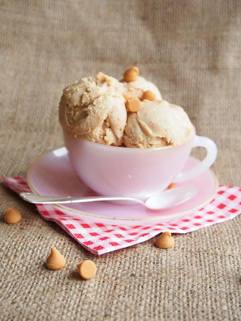 Maapähkinävoijäätelö