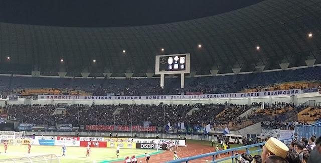 Stadion GBLA Sepi Penonton dalam Laga Persib vs Persiba
