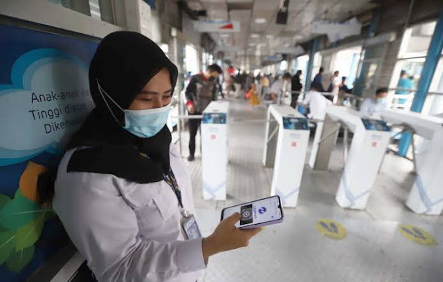 Mantap! TransJakarta Sediakan WiFi Gratis Berkecepatan Tinggi di Seluruh Halte