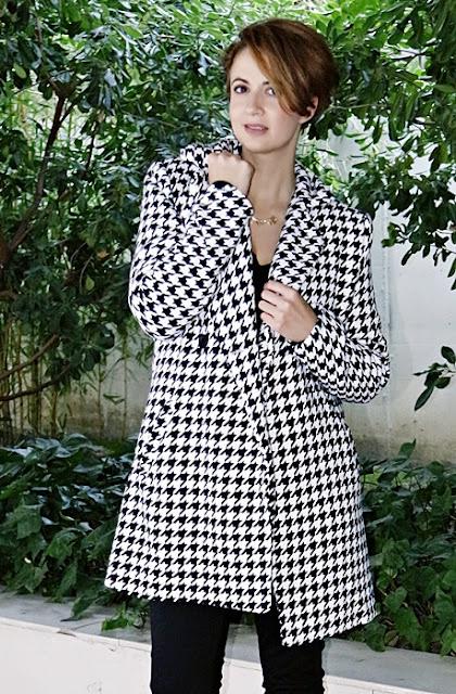 Outfit-Abrigo-pata-gallo-negro-blanco-7