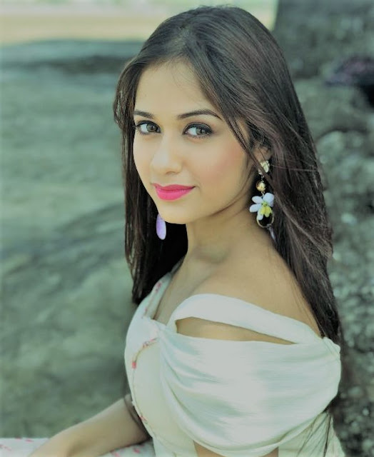 Jannat Zubair Rahmani@thelyricswaale.com