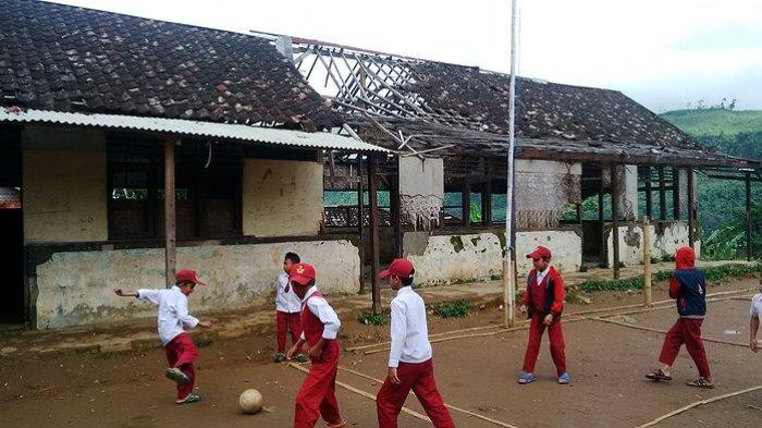 Begini Kondisi Sekolah di Cianjur, Bupatinya Malah Kena OTT KPK 1.5 Miliar