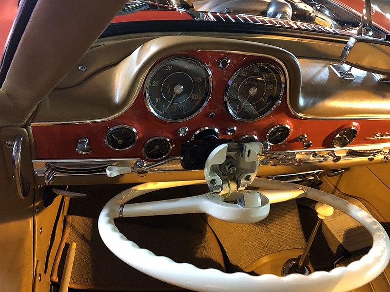 Mercedez Benz 300SL Gullwing : Autoshow